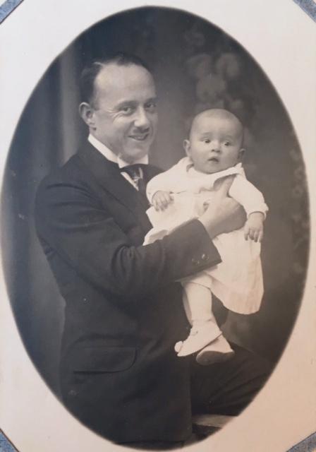 HEUCHEMER VERPACKUNG || Carl Heuchemer mit Sohn Karl-Heinz Heuchemer - 1923